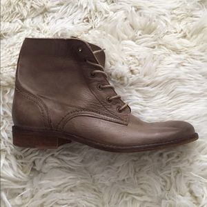 Shoes - Tan leather booties